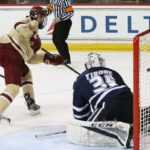 Men's Hockey Splits Weekend Slate